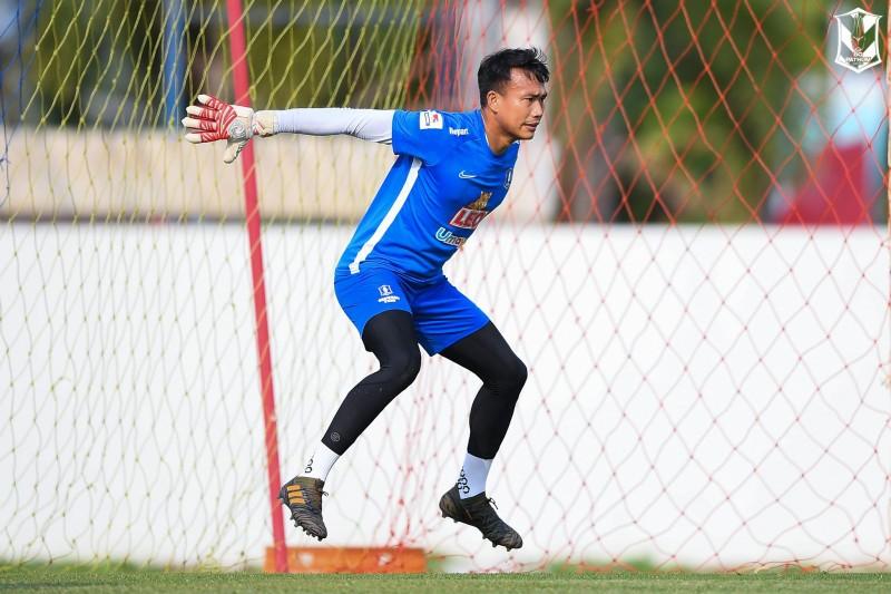 Chuyện 2 thủ môn Thái Lan tìm lại chính mình, Văn Lâm ra rìa - ảnh 2
