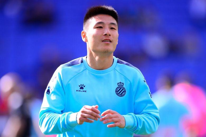 Ngôi sao bóng đá hay nhất Trung Quốc dính COVID-19 - ảnh 1