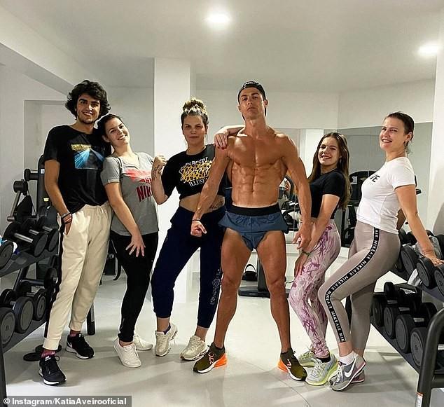 Ronaldo xây bệnh viện chống COVID-19 - ảnh 1