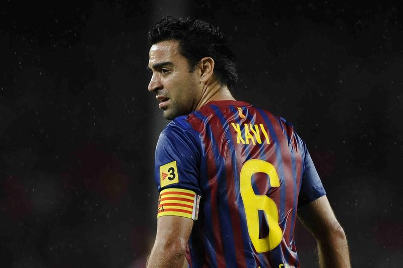 Chưa về Barcelona, Xavi đã 'kéo bè, kéo phái' - ảnh 1