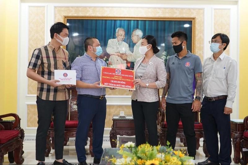 Sài Gòn FC tặng 130 triệu đồng chống dịch COVID-19 - ảnh 1
