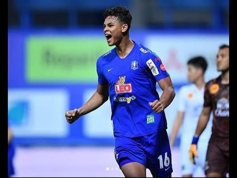 Cầu thủ gây chấn thương cho Quang Hải tích cực chống COVID-19 - ảnh 3