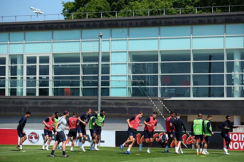 Ngoại hạng Anh 'độ' ý tưởng 'đá dồn' của V-League - ảnh 2