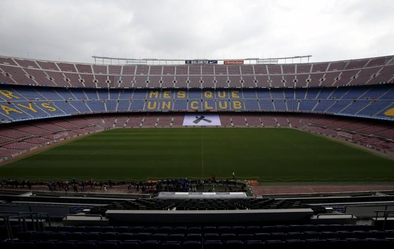 Sốc: Barcelona bán tên sân Nou Camp tìm tiền chống COVID-19 - ảnh 1