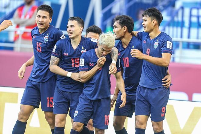 Kiatisak: Muốn truất ngôi đầu VN, hãy đánh bại các đội ASEAN - ảnh 1
