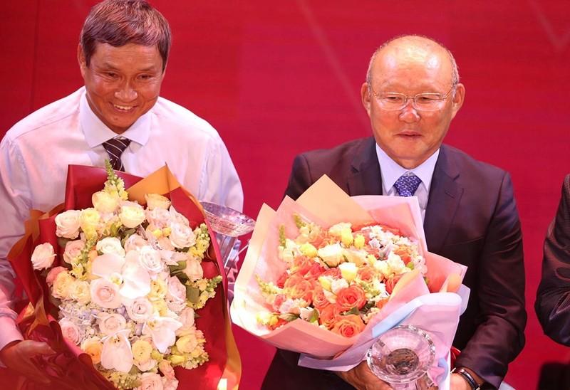 Thầy Park khuyên Quang Hải nhường Quả bóng Vàng - ảnh 1