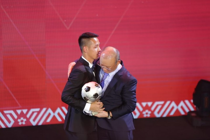 Thầy Park khuyên Quang Hải nhường Quả bóng Vàng - ảnh 9
