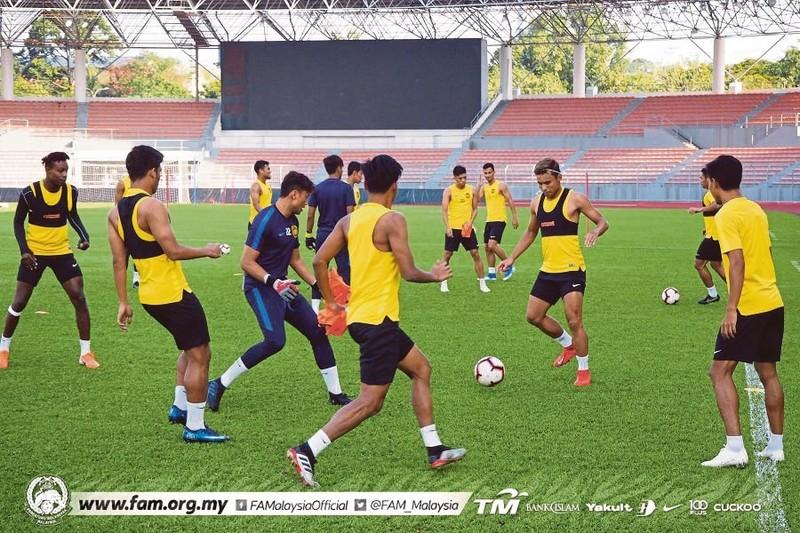 Đối thủ của tuyển Việt Nam lo bị cách ly ở vòng loại World Cup - ảnh 1