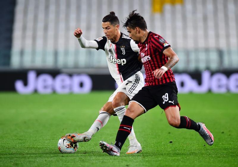Ronaldo suýt hóa tội đồ, Juventus trầy trật vào chung kết - ảnh 1
