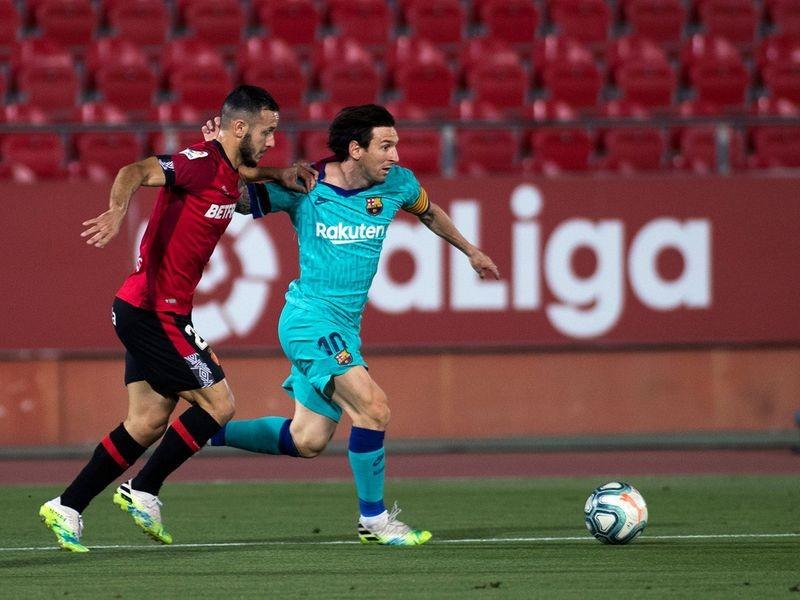 Barcelona đòi truy tố hình sự fan hâm mộ - ảnh 1