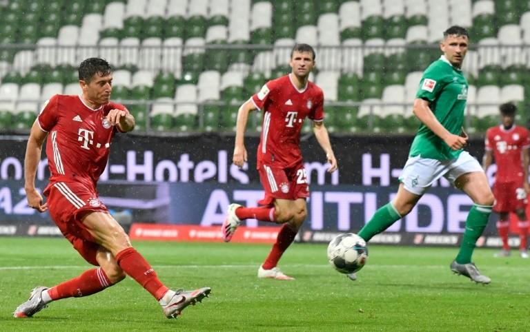 HLV vô danh giúp Bayern Munich hướng đến mục tiêu ăn ba - ảnh 2
