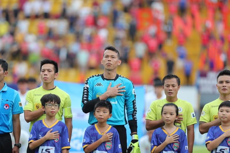 Quang Hải đổ máu, Hà Nội FC vượt ải Gò Đậu - ảnh 1