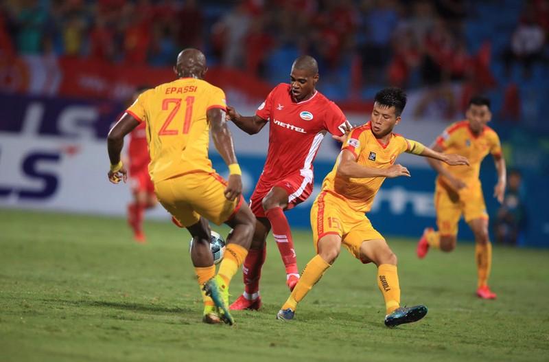 Vòng 6 V-League: Chủ nhà 'rủ nhau' gục ngã - ảnh 2