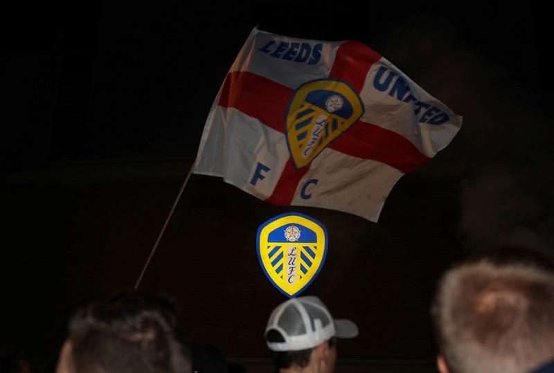 Leeds vừa 'đỗ ông nghè đã đe hàng tổng' - ảnh 1