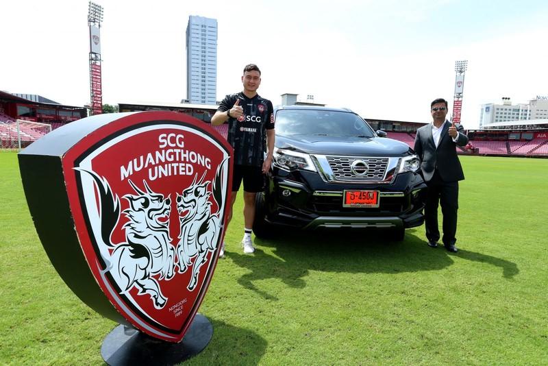 Đội bóng của Văn Lâm được tặng 9 chiếc ô tô hạng sang - ảnh 1