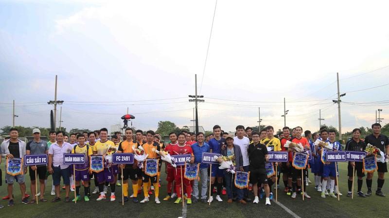 Giải bóng đá phủi Sài Gòn: Nóng ngay từ đầu - ảnh 2