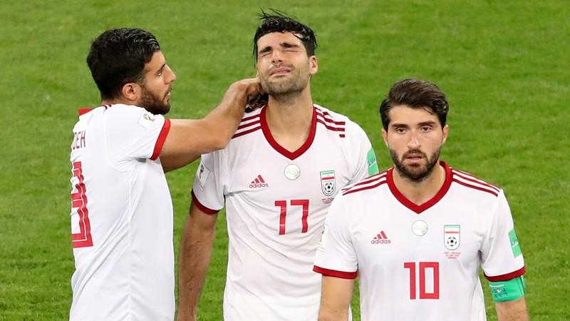 Bóng đá Iran mỏi mòn chờ FIFA chuyển tiền vì Mỹ - ảnh 1