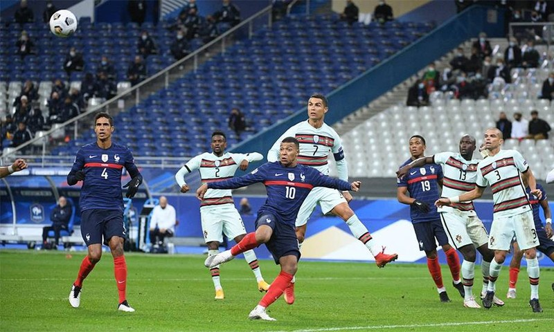 Pirlo lo đến Kiev mà thiếu Ronaldo - ảnh 1