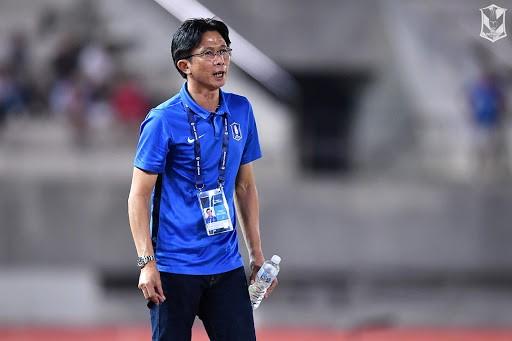 Thầy trò Dusit lên hương và 'cắt đuôi' các đội ở Thai-League 1 - ảnh 2