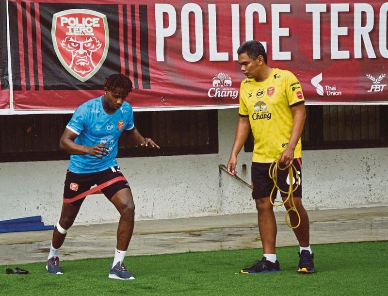 Tuyển thủ Malaysia 'ngồi chơi lãnh lương cao' ở Thái Lan - ảnh 1