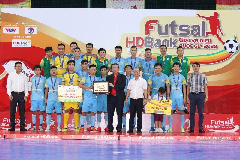 Thái Sơn Nam vô địch, cựu quả bóng vàng giành vua phá lưới - ảnh 6