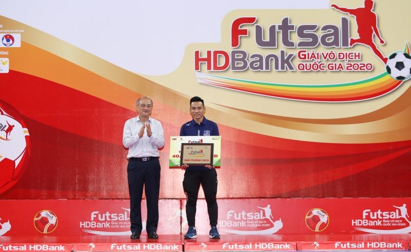 Thái Sơn Nam vô địch, cựu quả bóng vàng giành vua phá lưới - ảnh 4