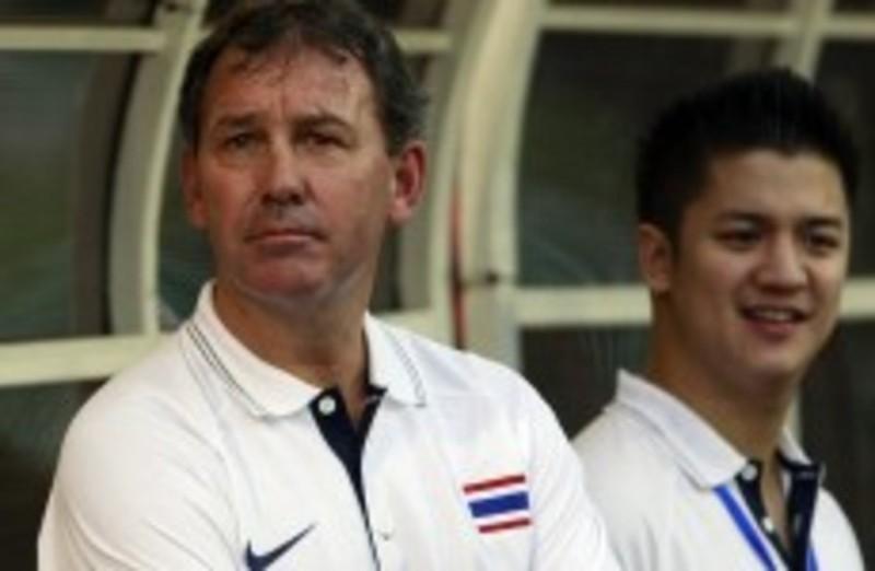 2 cựu HLV Thái Lan 'á khẩu' vì Maradona dùng tay chơi bóng - ảnh 3