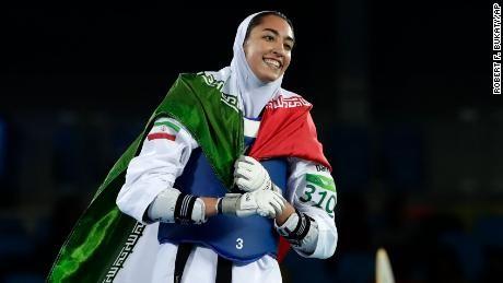 Nữ võ sĩ Iran muốn khoác áo 'đội tị nạn' Olympic Tokyo - ảnh 2