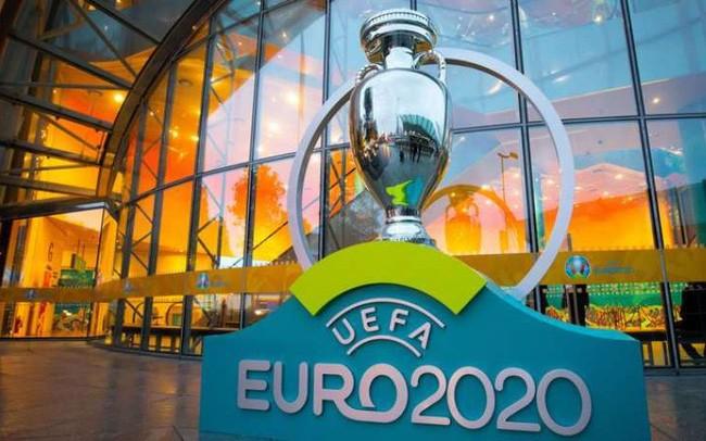 UEFA có thể tước quyền đăng cai Euro 2020 bốn sân - ảnh 1