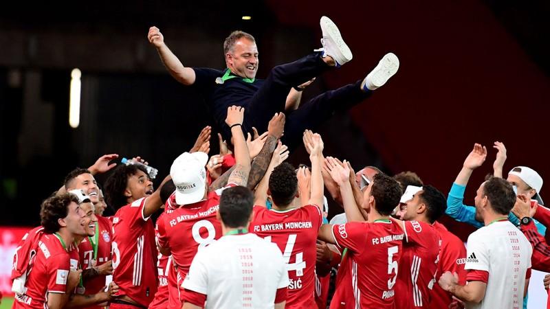 Hansi Flick đòi nghỉ, lãnh đạo Bayern nói 'bớt giỡn' - ảnh 1
