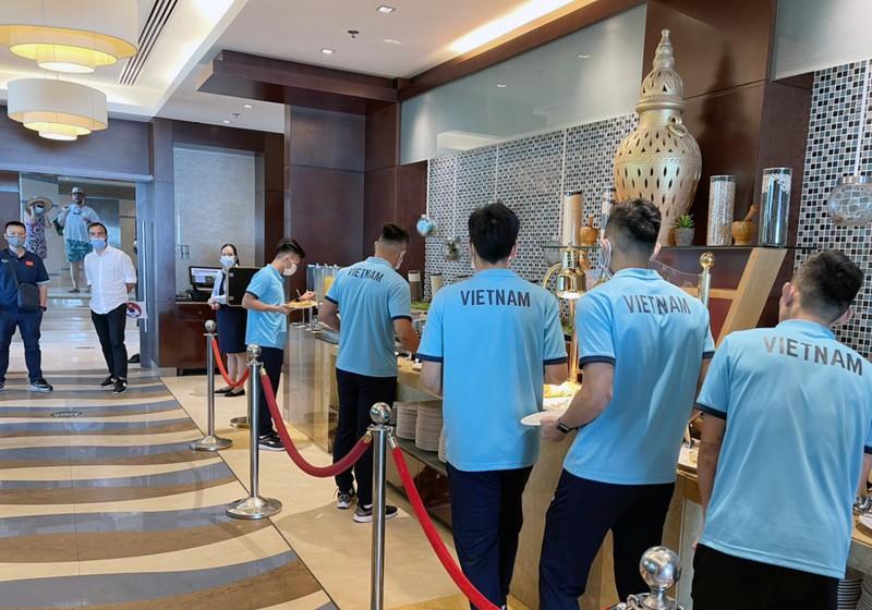 Tuyển VN đã đến UAE săn vé World Cup - ảnh 4