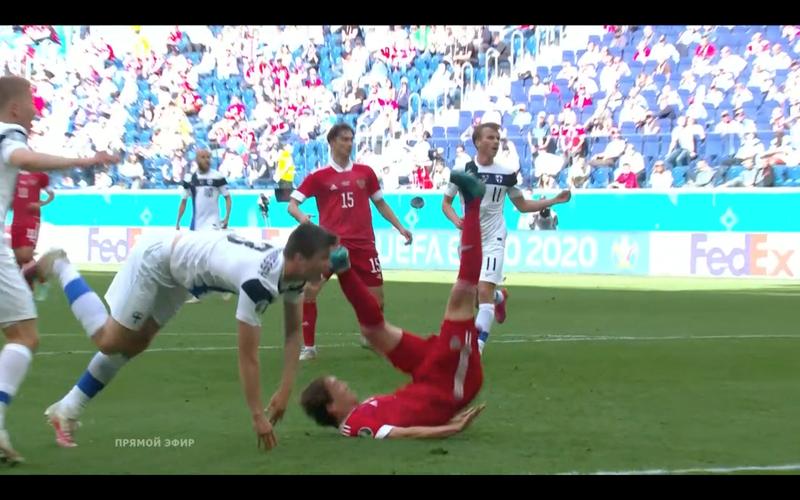 Mario Fernandes té ngã và chia tay Euro 2020 - ảnh 2