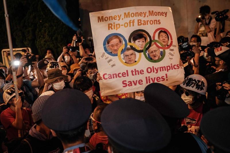 Lễ khai mạc Olympic Tokyo bị phản đối rất nhiều - ảnh 2