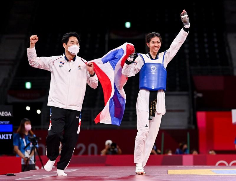 Đối thủ của Kim Tuyền giành huy chương vàng đầu tiên cho Thái Lan - ảnh 1