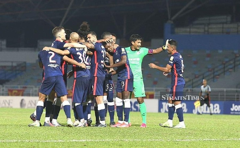 Malaysia khác rồi, M-League vẫn đá giữa đại dịch - ảnh 1