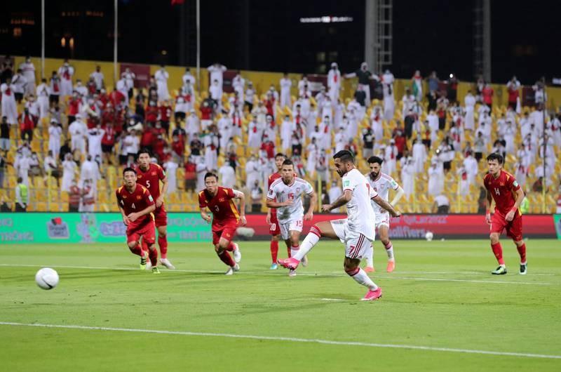 UAE không nói nhiều, chuẩn bị đánh chiếm vị trí 3 bảng A - ảnh 1