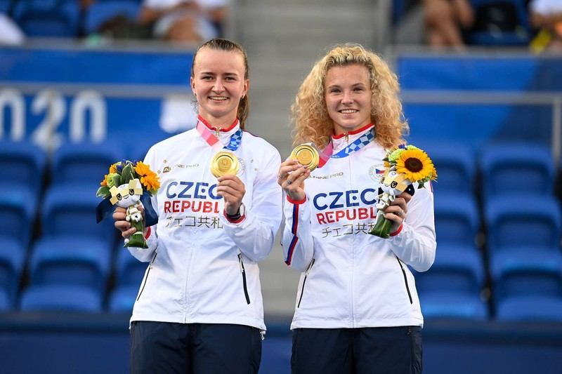 Krejcikova và Siniakova lại....lượm vàng - ảnh 1