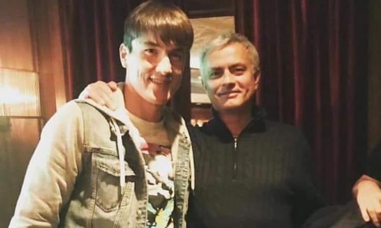 Mourinho gây sốc ở AS Roma khi tuyển 'hàng độc' - ảnh 1