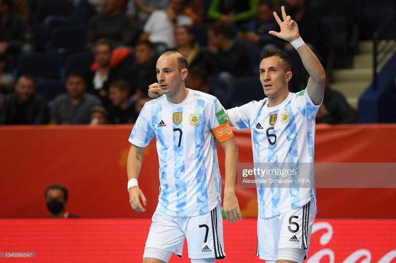 Tuyển Nga 'vay' thêm nợ Argentina - ảnh 1