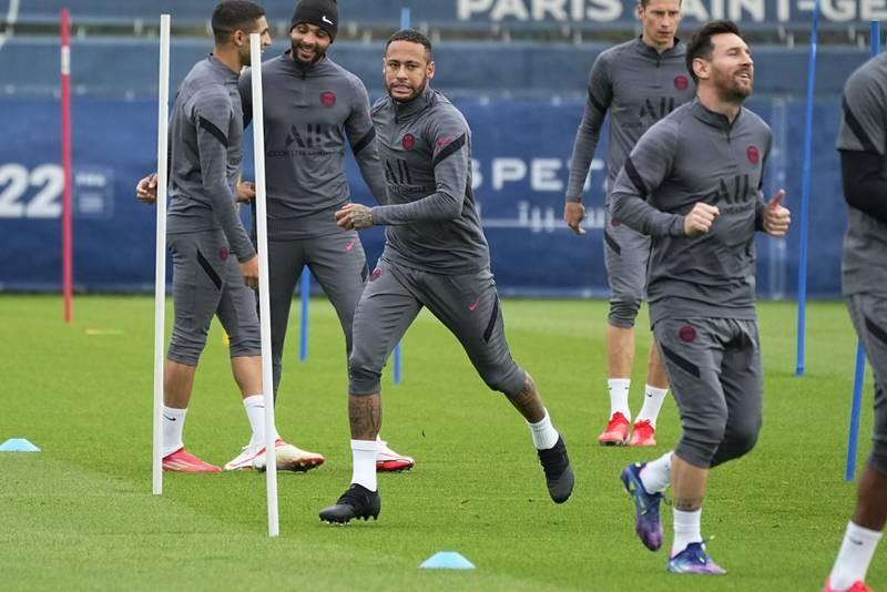 Pep năn nỉ Messi ra sân, Pochettino hứa 'có thể' - ảnh 2