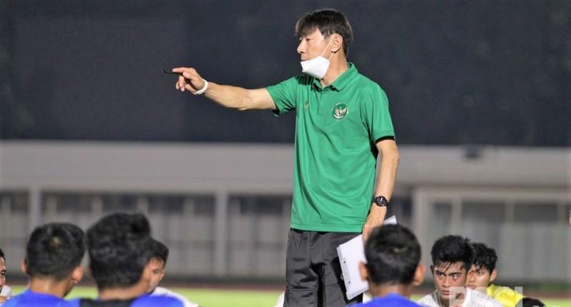 Bại tướng của thầy Park dẫn quân sang Thái đá Play off - ảnh 1