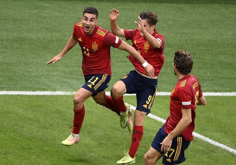 Chùm ảnh Ý bị Tây Ban Nha đánh bại tại San Siro - ảnh 9
