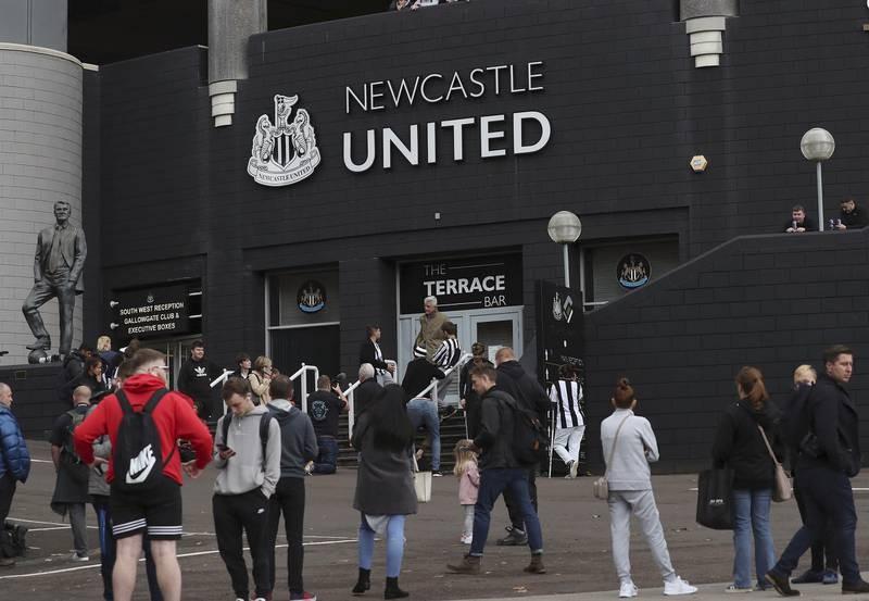 Fan Newcastle ăn mừng cuồng nhiệt khi CLB có chủ mới tỉ phú - ảnh 7