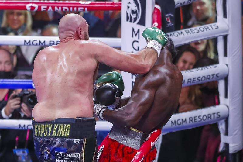 'Tyson trắng' hạ Knock-out 'Bom nguyên tử' Wilder - ảnh 3