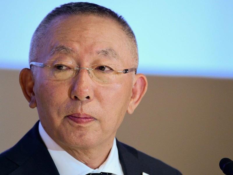 Cha đẻ Uniqlo giành lại vị trí người giàu nhất Nhật Bản - ảnh 1