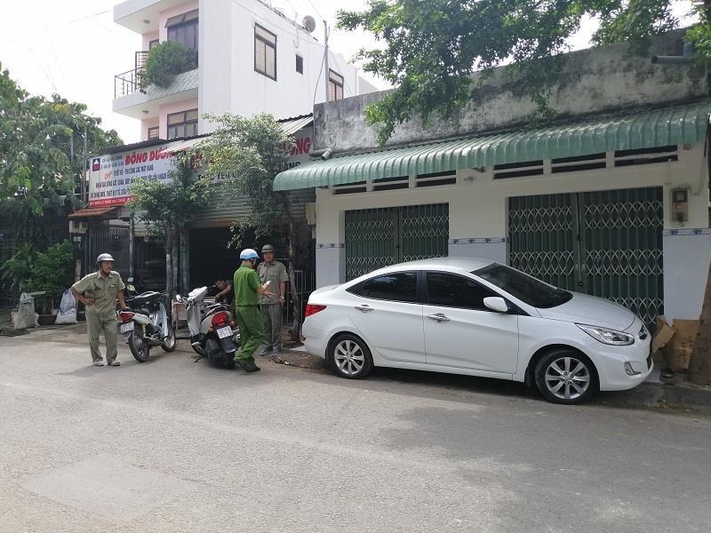 Công an phường Trường Thọ ra quân xử lý lấn chiếm vỉa hè - ảnh 5