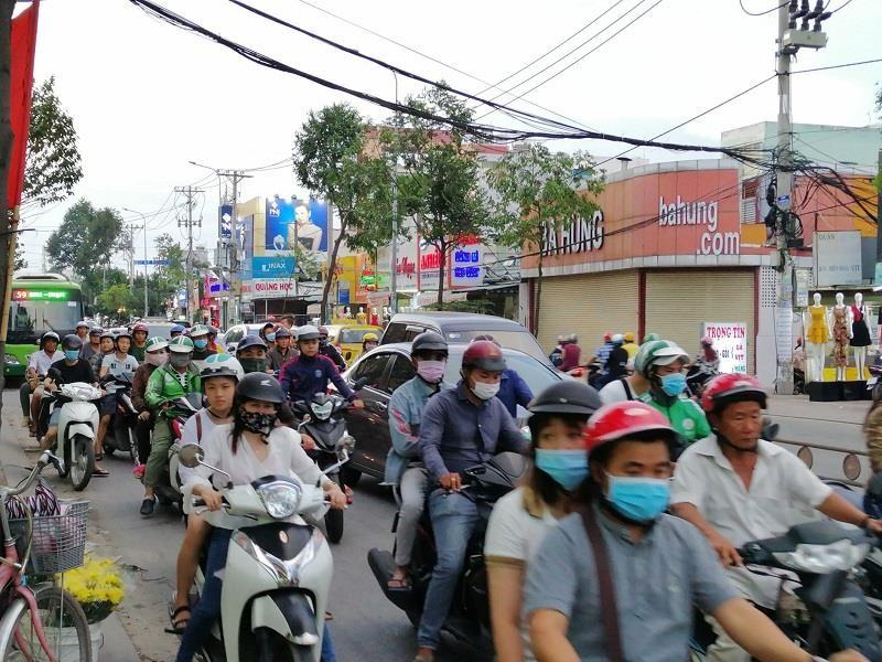 TP.HCM: Nhiều cung đường phía nam thoáng đến lạ - ảnh 12
