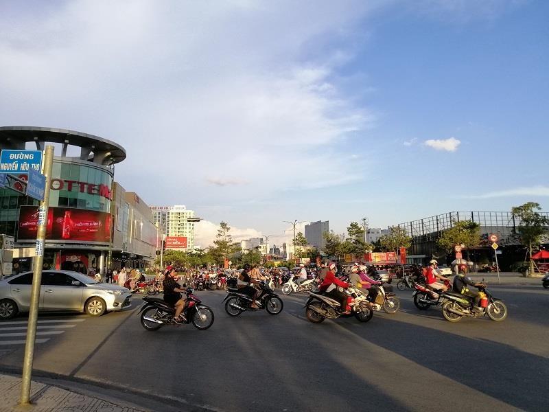 TP.HCM: Nhiều cung đường phía nam thoáng đến lạ - ảnh 9