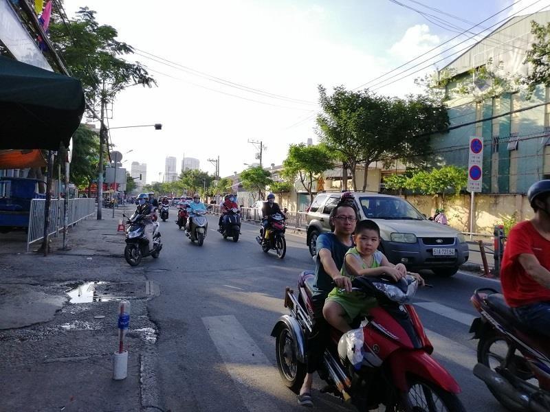 TP.HCM: Nhiều cung đường phía nam thoáng đến lạ - ảnh 3