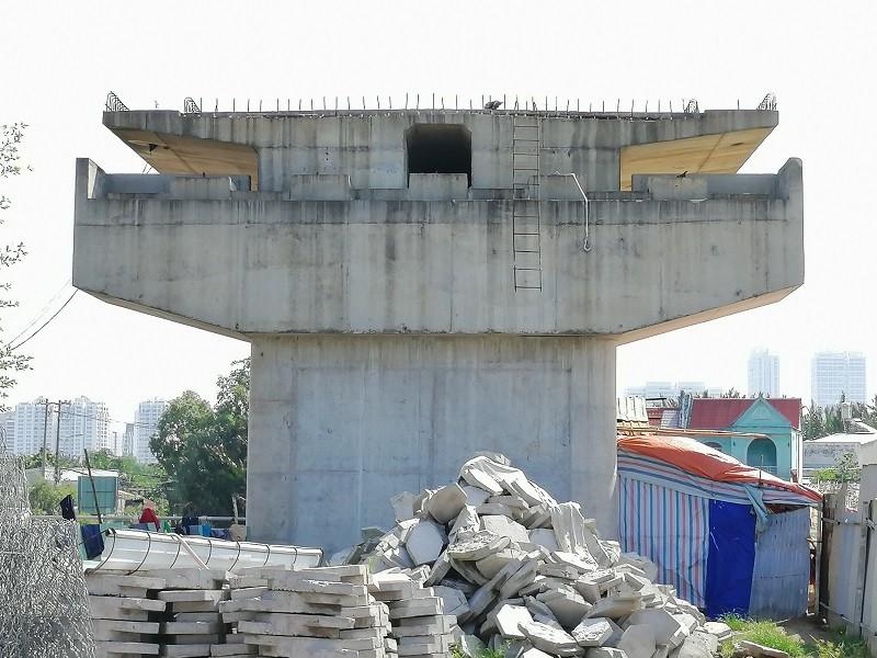 Cây cầu bảy năm chưa thể nối đôi bờ, dân chỉ được 'ngó' - ảnh 5